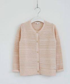 Cardigan Chloè nella variante colore rosa antico con delicsta fibra metallizzata e l'effetto 3d di una riga in rilievo, bottoni cromati oro.