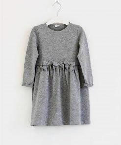 VestitoIl Gufo a maniche lunghe grigio chiaro con effetto lurex argentato, colletto in cotone. Modello svasato e confortevole.