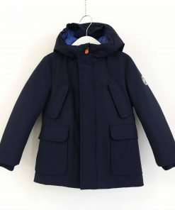 Piumino artic parka blu scuro SaveTheDuck con interno colore a contrasto azzurro, tasche a petto applicate e foderate in flanella.