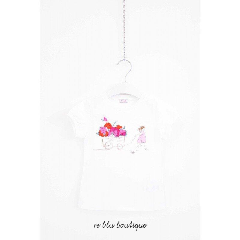 T-Shirt Il Gufo in jersey leggero di colore bianco con un' illustrazione di fantasia: una bambina che trasporta un carretto pieno di fiori.
