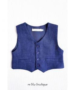 Gilet La Mascot blu scuro in lino con tre bottoni colore tono su tono, ideale per essere abbinato al suo bermuda per un elegante completo