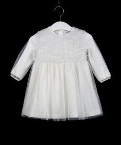 Vestito a maniche lunghe Il Gufo in tulle ghiaccio bianco con effetto glitter su tutto il vestito, effetto di voile arricciato sul bavero del vestito. La cimosa del vestito è bianca e in cotone