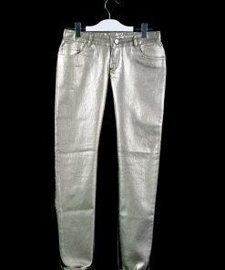 Pantalone skinny laminato color bronzato, dettagli ricamati sulla parte posteriore, chiusura con zip e bottone centrale argento opaco