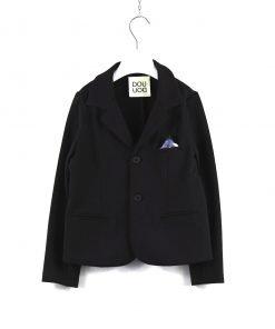 Blazer blu scuro in morbido cotone felpato di DouDou, bottoni tono su tono, fazzolettino sui toni del grigio con un delicato motivo fantasia