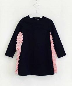 Vestito mini blu scuro MSGM con rouges laterale con colore a contrasto rosa barby, fodera tono su tono, chiusura sulla schiena con zip nascosta.
