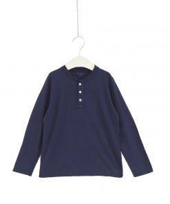 Camicia modello con collo alla coreana blu scuro di Hartofd, bottoni sui toni dell'avorio, piccole rouges, maniche con polsini stretti e chiusura con bottoncini