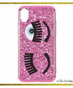 "Cover per iphone modello 7/8 Chiara Ferragni Collection totalmente rivestita di glitter rosa, applicazione dell'iconico logo ""flirting""."