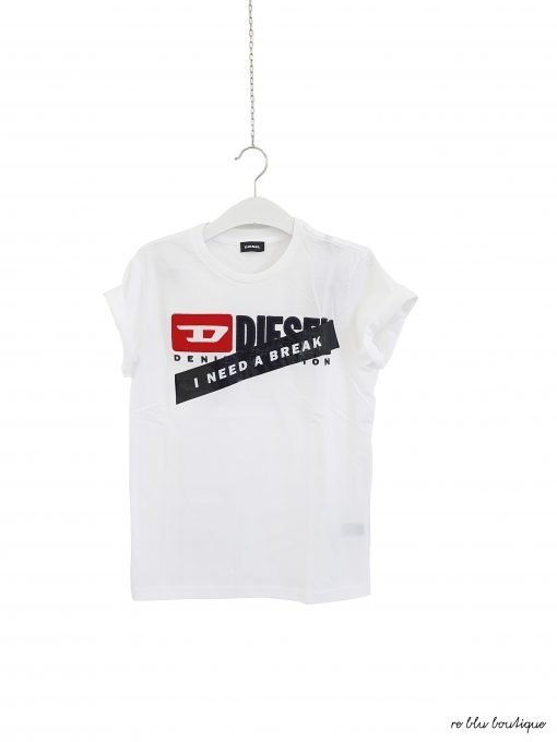 T-Shirt Diesel in collaborazione con Fedez, capsule collection, modello girocollo in cotone, bianco ottico, scritte frontali