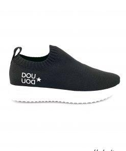 Sneakers Fessura per DouDou, il modello classico di fessura reinterpretato per questa collaborazione molto riuscita. Suola in gomma bianca, logo laterale