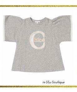 T-shirt girocollo in jersey di cotone Chloè, maniche corte svasate, patch logo frontale ricamata nei toni del beige chiaro-scuro