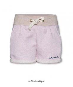 """Bermuda in cotone AO76 in felpa colo rosa pastello, coulisse in vita, piccolo ricamo sul lato con la scritta """"dreamer"""" tono su tono"""
