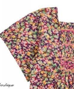 Blusa country Bonpoint, stampa liberty, ricamata a mano sul davanti. Realizzata in cotone, con colletto quadrato e maniche corte. Ideale con un jeans