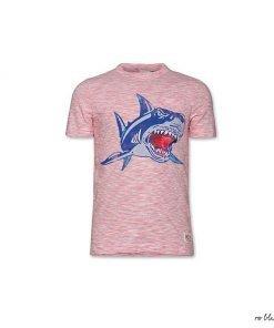 T-shirt a maniche corte A076 in cotone, mini righe orizzontali rosse su fondo bianco, stampa frontale di uno squalo in movimento