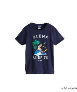 T-shirt blu notte in cotone a maniche corte Scotch&Shrunk caratterizzata dalla stampa colorata di un surfista e presenta una scollatura a girocollo.