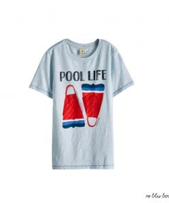 T-shirt a manica corta in cotone Scotch&Shrunk con stampa frontale di due boe colorate dai colori accesi, fondo azzurro vintage, vestibilità morbida