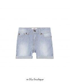 """Bermuda in jeans AO76 modello """"Rick"""" fantasia a righine verticali, passanti per cintura, 5 tasche, tasche con fianchino, apertura dei pantaloni, patch con nome del brand"""