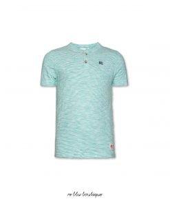 """T-shirt in cotone modello """"Henley"""" a maniche corte con piccole righe orrizontali verde acceso su fondo bianco, logo ricamato a cuore in contrasto blu"""