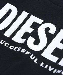 """T-shirt nera """"Tjustlogo"""" è realizzata in jersey di cotone pregiato e stampata con un logo oversize """"Diesel For Successful Living"""" sul petto."""