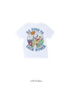 """T-shirt girocollo bianca di StellaMcCartney con stampa """"Be Kind to Each Other""""."""