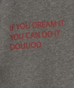 "T-shirt in cotone grigio modello ""Bottondown"" con stampa frontale ""of you dream it you can do it DOUDOU"" in colore rosso"